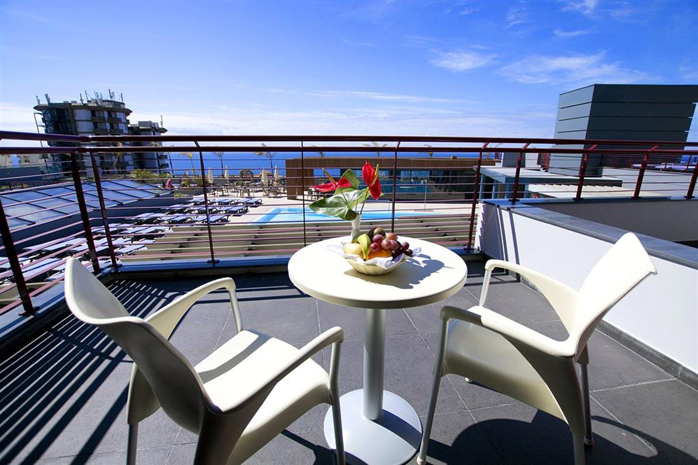 http://extranet.jetlinetravel.info/express-images/express-Four-Views-Monumental-Lido-balcony.jpg