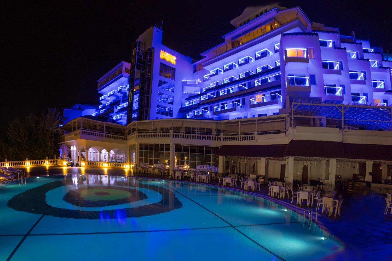 http://extranet.jetlinetravel.info/express-images/express-express-Labranda-Ephesus%20Princess-pool-night.jpg