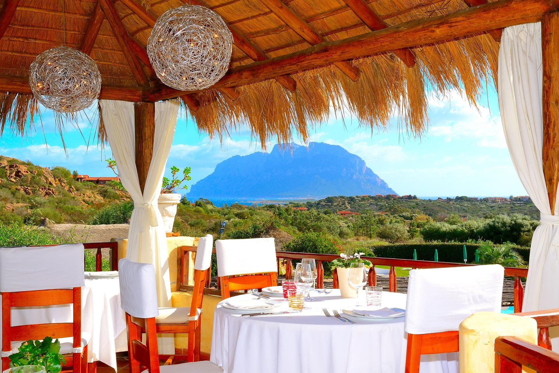 http://extranet.jetlinetravel.info/express-images/express_costa_corallina_sardinia_2.jpg